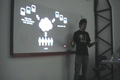 Marcel palestrando sobre Recomendações na Web