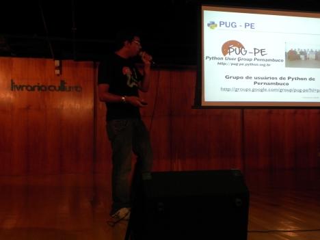 Marcel apresentando o PUG-pE