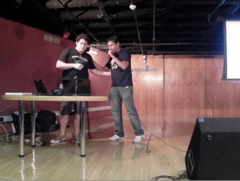 Brunno Gomes se preparando para sua palestra Python Go Horse