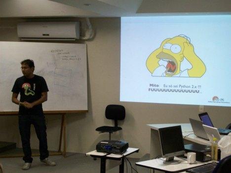 Marcel Caraciolo apresentando sobre o Python 3.x