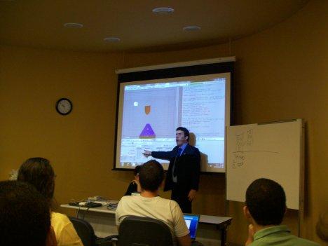 Eraldo Guerra apresentando o Blender com Python