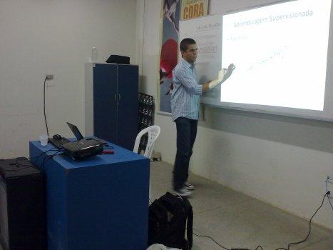 Marcelo Lacerda falando sobre Aprendizagem de Máquina