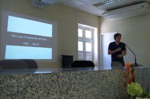 Rodrigo Medeiros falando sobre Visualização da Informação